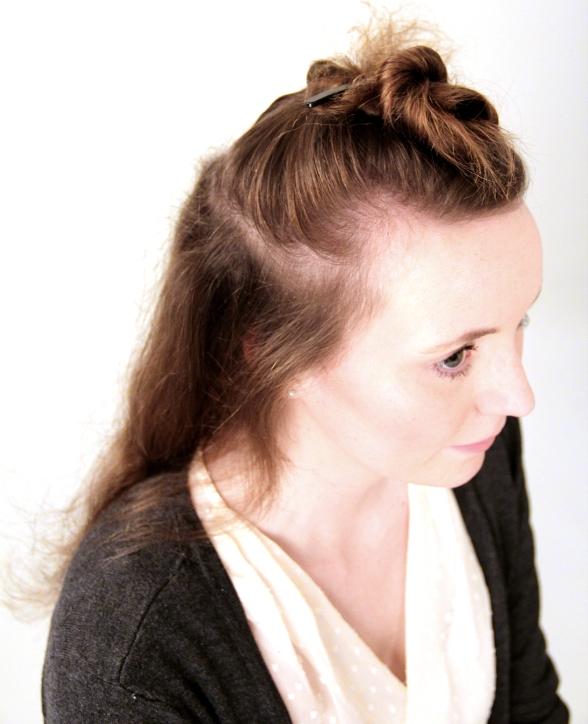 Eigene Haare abgeteilt